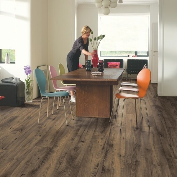 Quick Step Perspective Wide Reclaimed Chestnut Brown