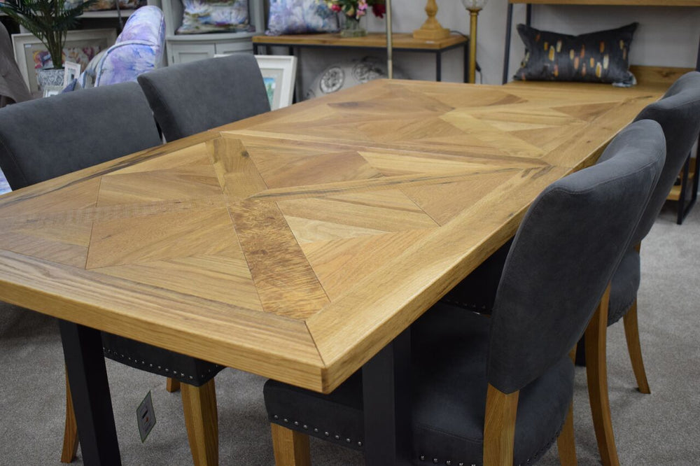 India 6-8 Extension Dining Table