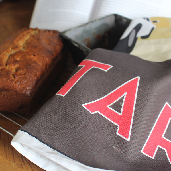 Qatar tea towel with banana bread