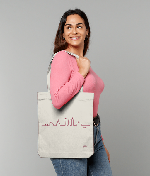 Skyline Bag in Natural with female model