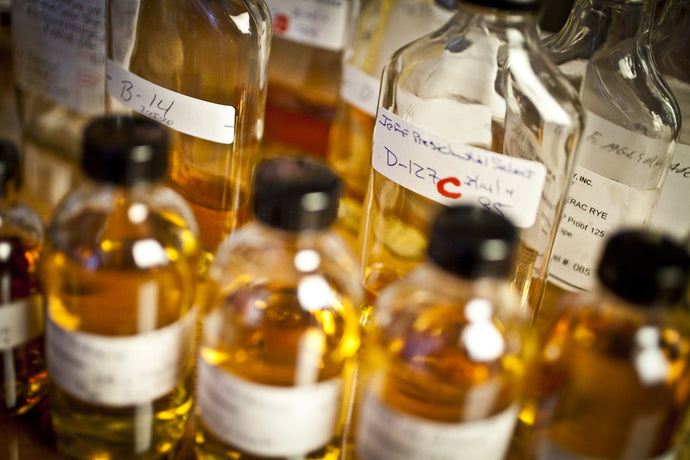 8 easy steps to blend your own whiskey