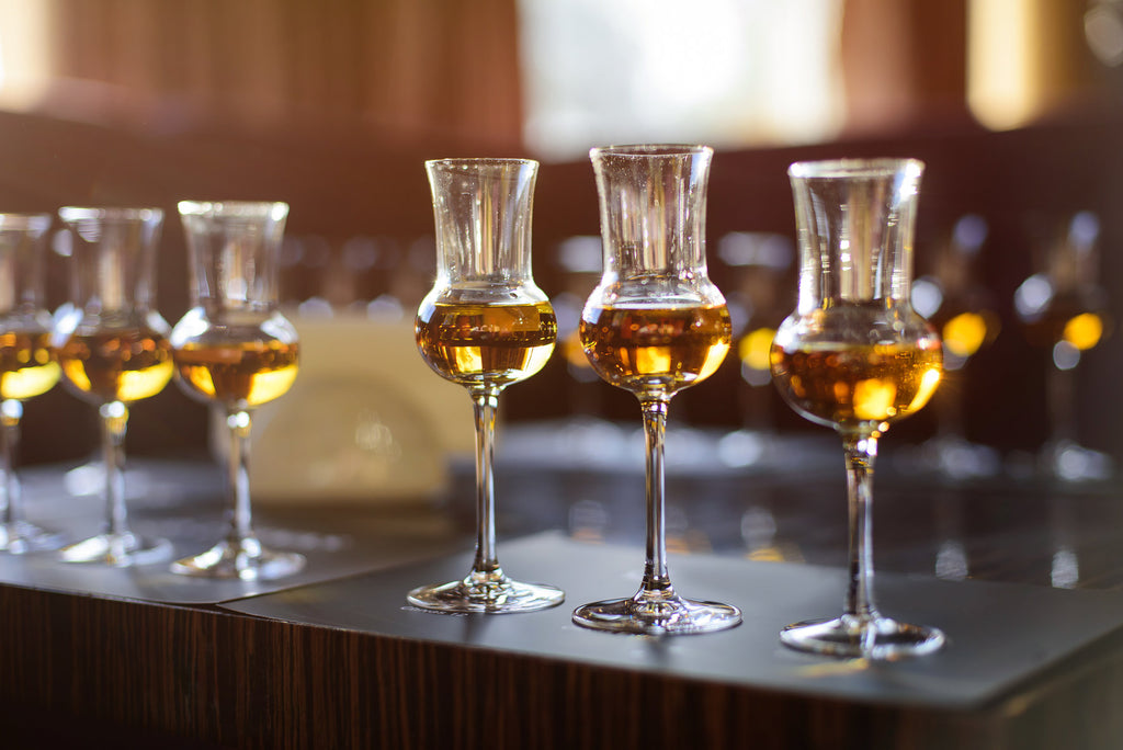 7 easy steps to plan the perfect virtual whiskey tasting