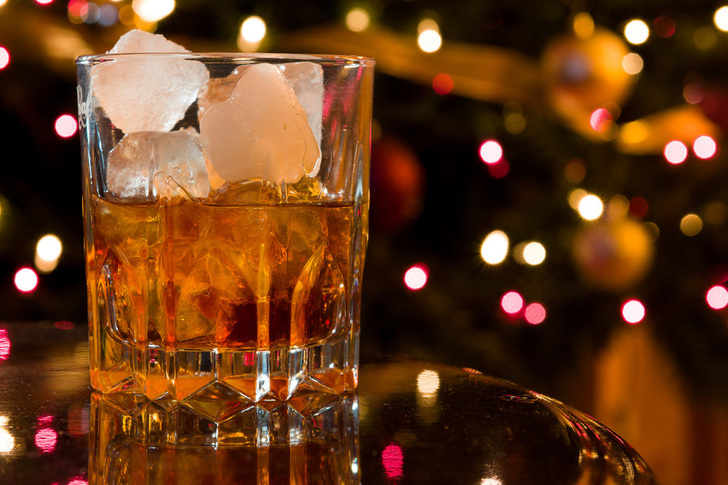 Impress Your Guests With These Holiday Whiskey Cocktails