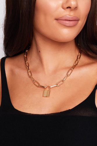 Padlock necklace in gold