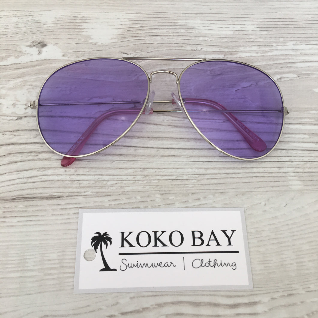 Aviator sunglasses in purple