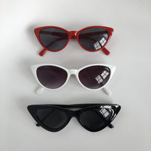 Load image into Gallery viewer, Iris sunglasses in red/black