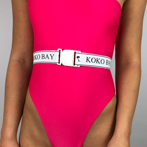 Koko bay buckle belt in white