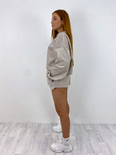 Load image into Gallery viewer, Oversized cord shorts in beige