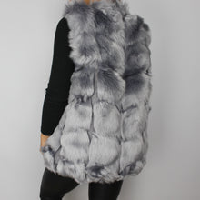 Load image into Gallery viewer, Mara faux fur gilet in grey