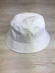Bucket hat in white