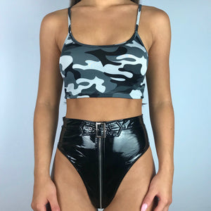 Camo crop top in grey