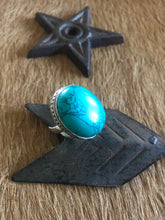 Load image into Gallery viewer, ZAD stunning green turquoise stone ring