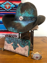 Load image into Gallery viewer, DALLAS HAT CO 'splash of blue' 58/59cm