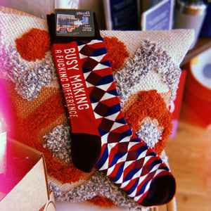BUSY MAKING A FUCKING DIFFERENCE MEN'S SOCKS