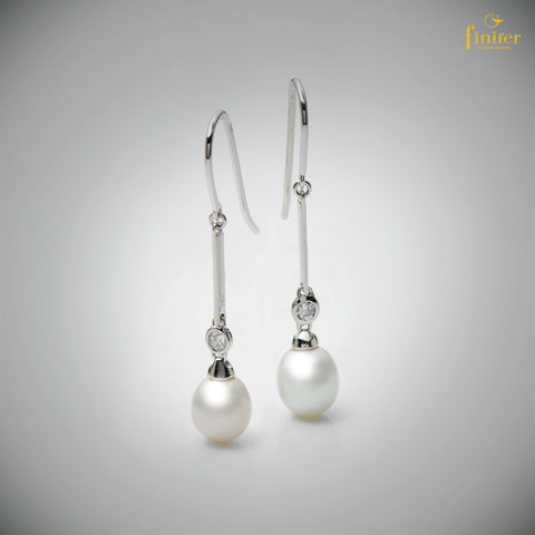 Pearl Bridemaid Earrings / Dangle Pearl Earrings / White Freshwater Pearl Earrings / Wedding Gift-FIN-E0159