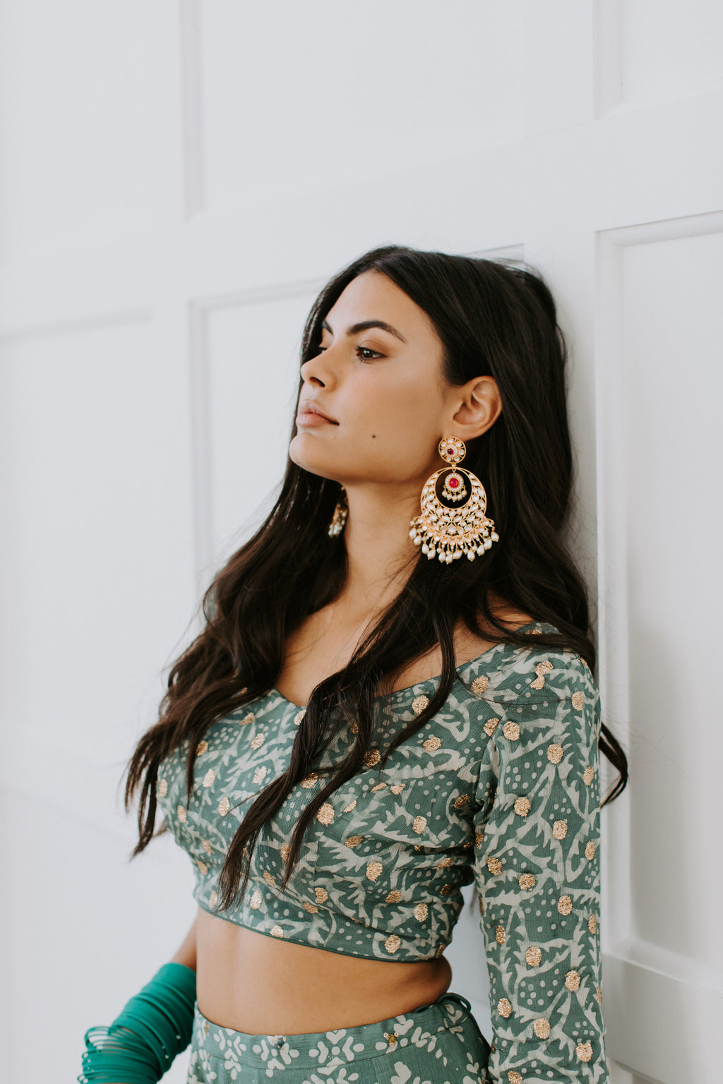 THEA Statement Kundan Earrings