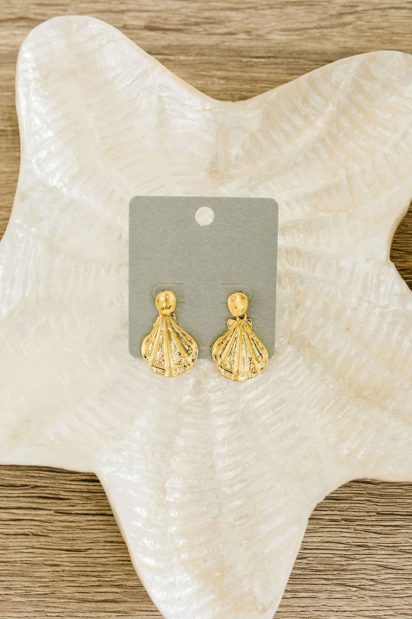 Dangling Sea Shell Earrings