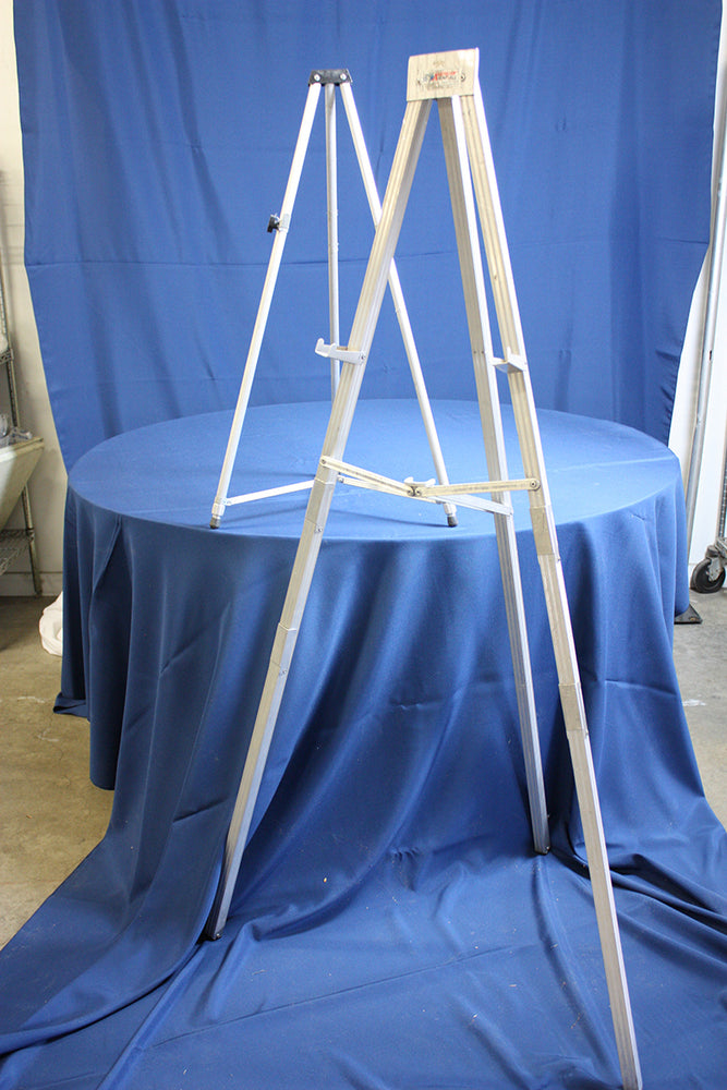 Easel with pad and holder