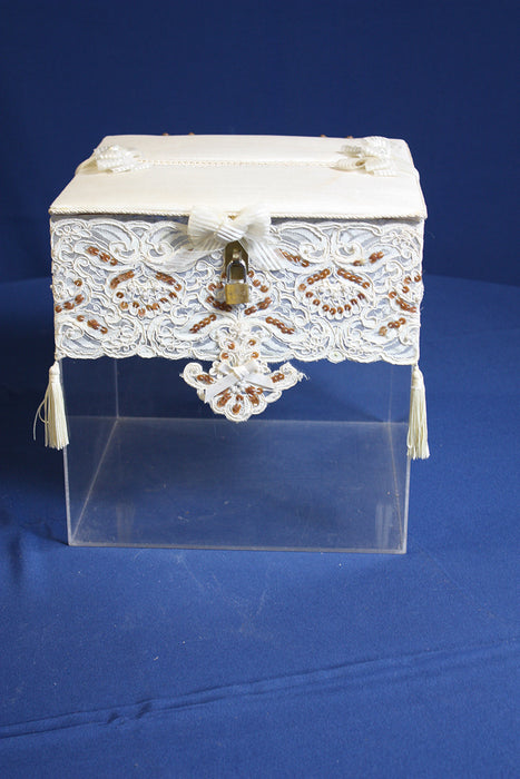 Clear Card Box w/white lace