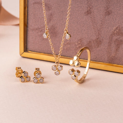 Win a Diamond Jewellery Set at Gemondo