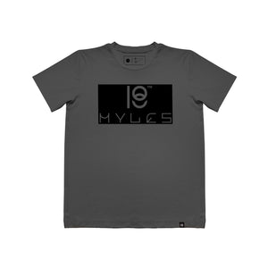 EMBOSSED LOGO S/S T-SHIRT