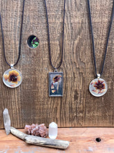 Load image into Gallery viewer, Hand Made Dried Flower Pendent Necklace
