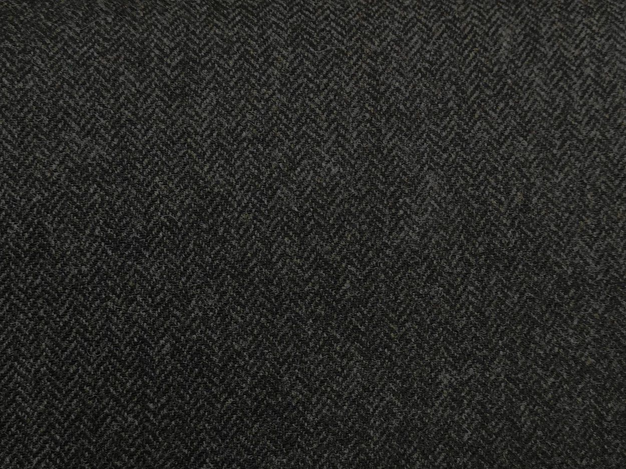 Moon Lambswool Herringbone, Black and Grey