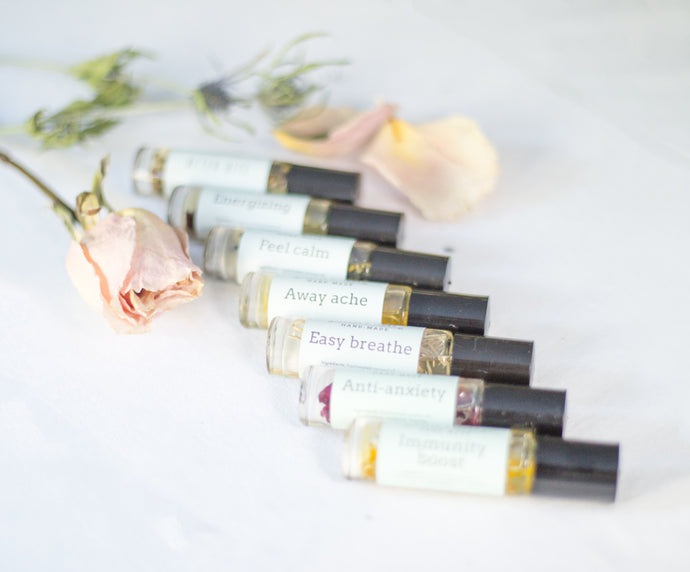 Essential oil rollers ( with botanicals )