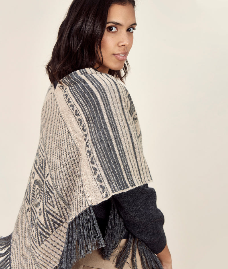 Cubic Poncho Reversible C005