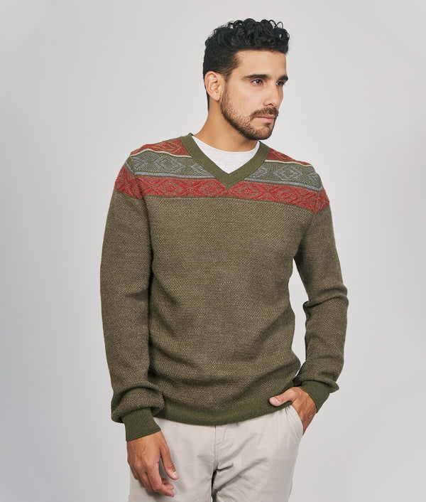 Crowd high vee neck pullover C002