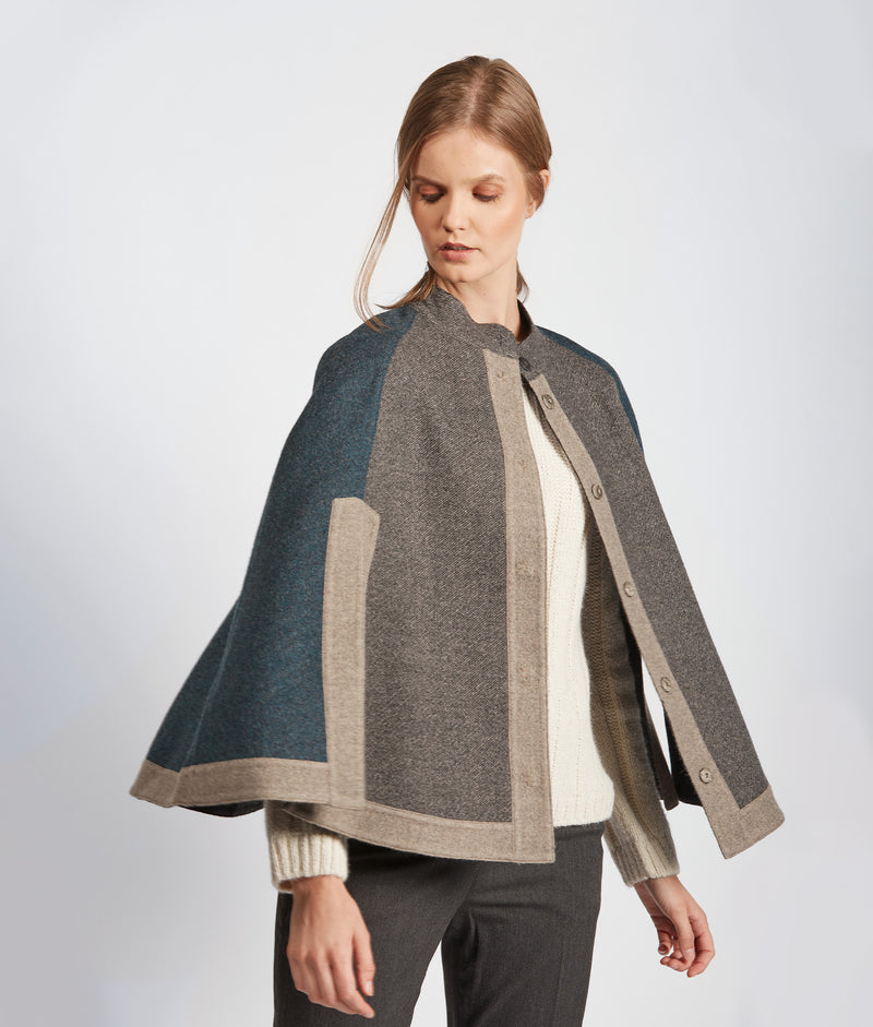 Color Blocked Reversible Cape J15172 C001