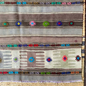 NEUTRAL KILIM WITH COLOURFUL MOTIFS