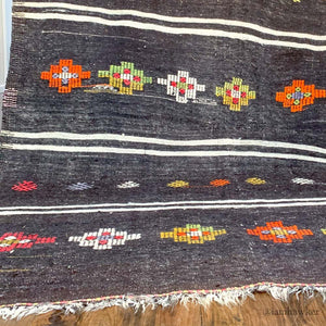 LARGE NEUTRAL KILIM WITH COLOURFUL MOTIFS