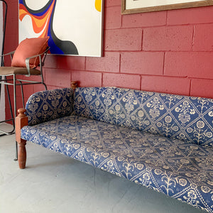 BENCH SEAT UPHOLSTERED IN BLUE FLORAL LINEN