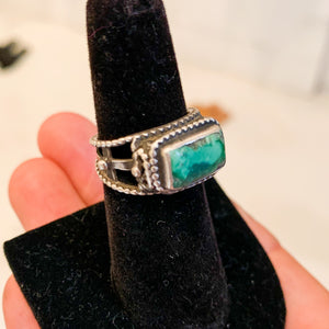 SILVER AND MALACHITE STONE RING