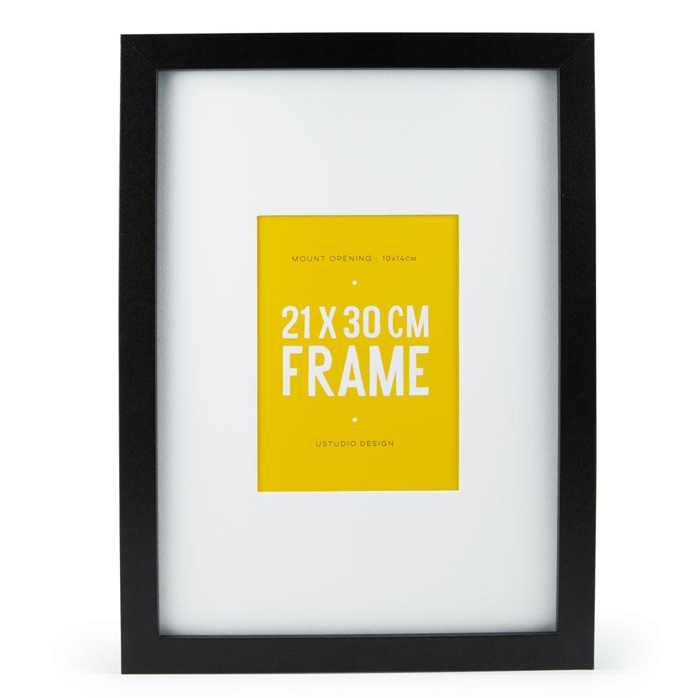 "'Frame A4 - fits postcards and 6x4"" photos"
