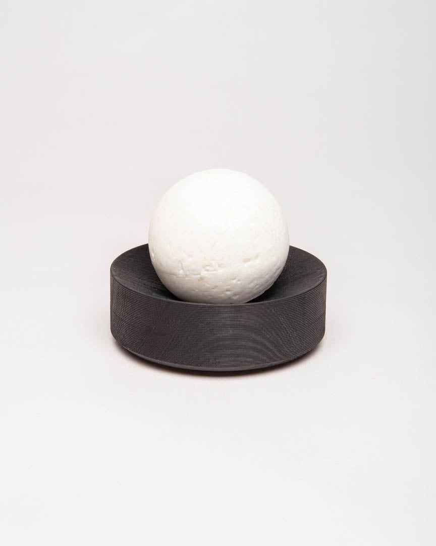 pine-peppermint saltsoap set black round