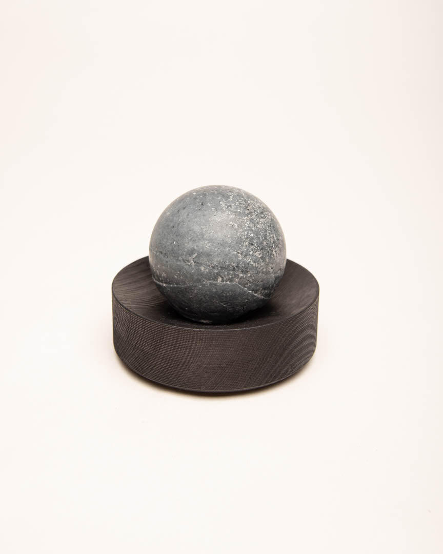 crowberry-spruce saltsoap set black round