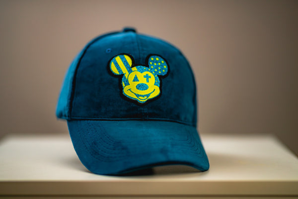 Alex Todge | Casquette Velours Bleu, patch jaune brodé