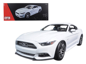 2015 Ford Mustang GT White Exclusive Edition 1/18 Diecast Model Car by Maisto