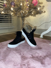 Load image into Gallery viewer, Faux fur sneakers