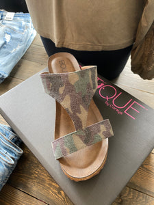 The Lilo Camo Wedge