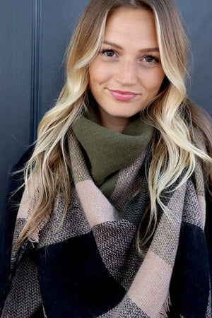 The Cozy Blanket Scarf