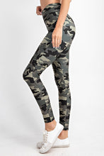 Load image into Gallery viewer, Camo Motto Leggings