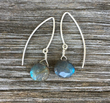 Load image into Gallery viewer, Dew Drop Earrings