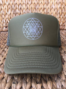 Trucker Hat Sri Yantra OLIVE / Silver Ink