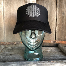 Load image into Gallery viewer, Trucker Hat Flower of Life BLACK/ Silver Ink​