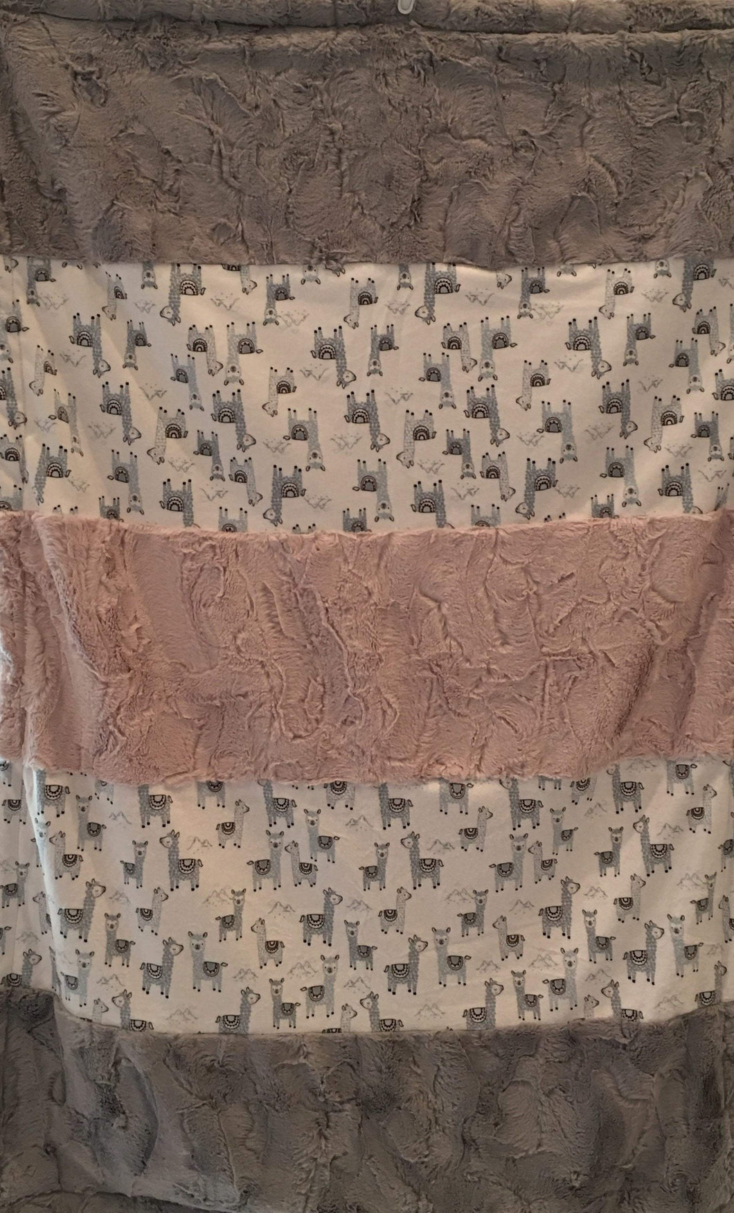 Alpaclettes in Stone Strip on Luxe Cuddle Silver Hide