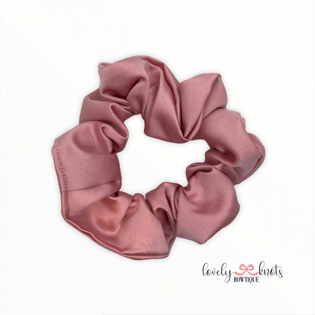 BLUSH SATIN SCRUNCHIE
