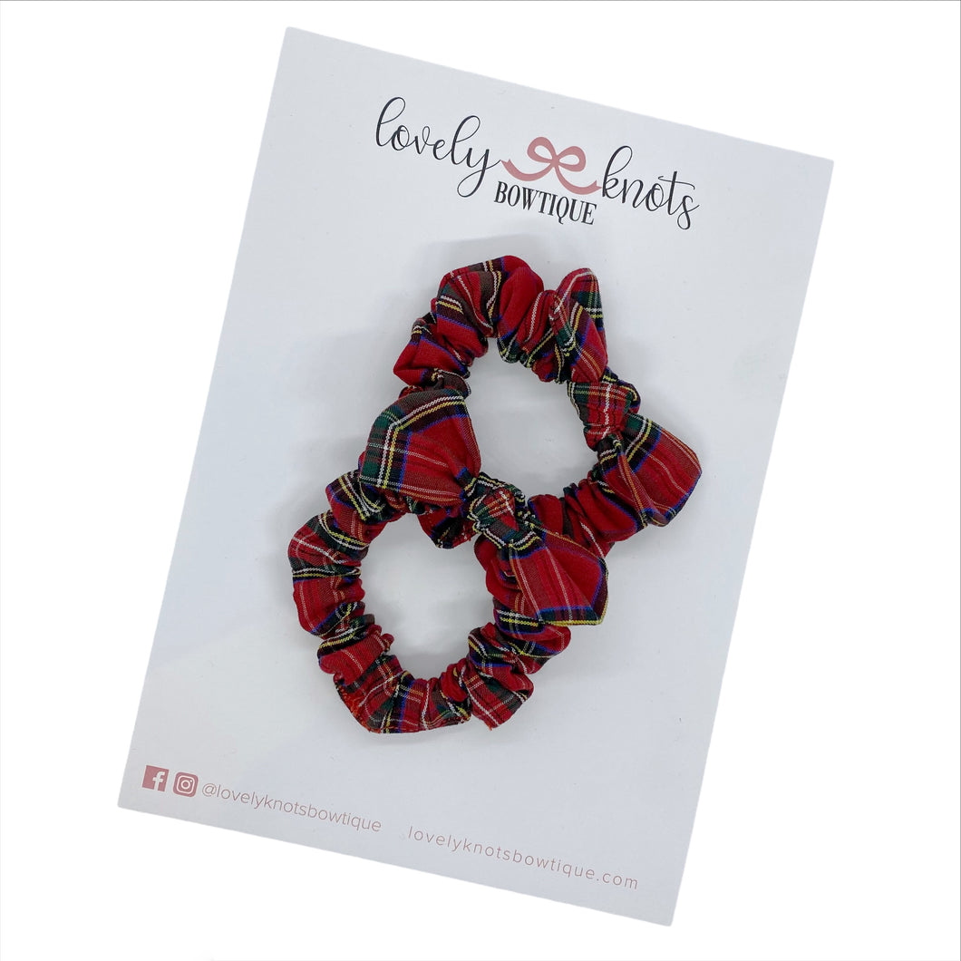 BOUGHS OF HOLLY PIGGIES SET
